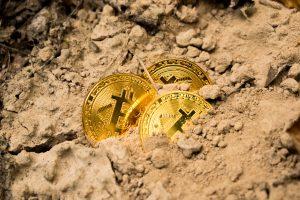 3 bitcoiny ukryte w ziemi do wykopania